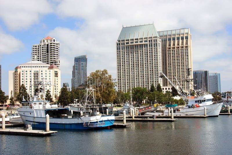 Skyline e porto de San Diego. imagens de stock