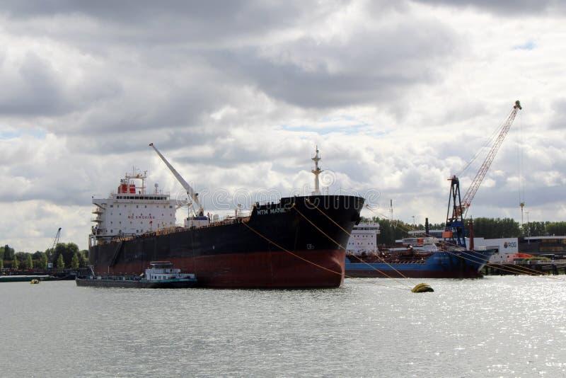 Skyline et port de Rotterdam Pays-Bas photographie stock libre de droits
