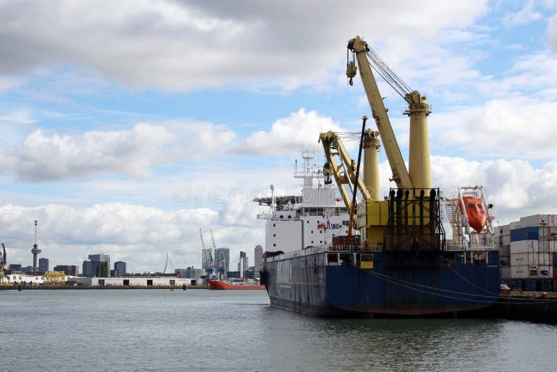 Skyline et port de Rotterdam Pays-Bas photos stock