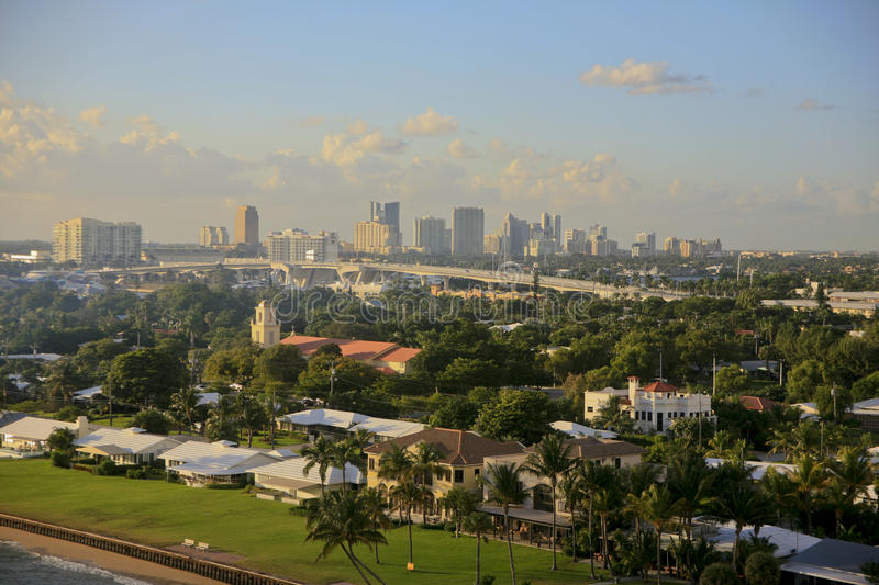 Download Skyline, Fort Lauderdale, Florida, USA. Redaktionelles Stockbild - Bild von modern, gebäude: 27726554