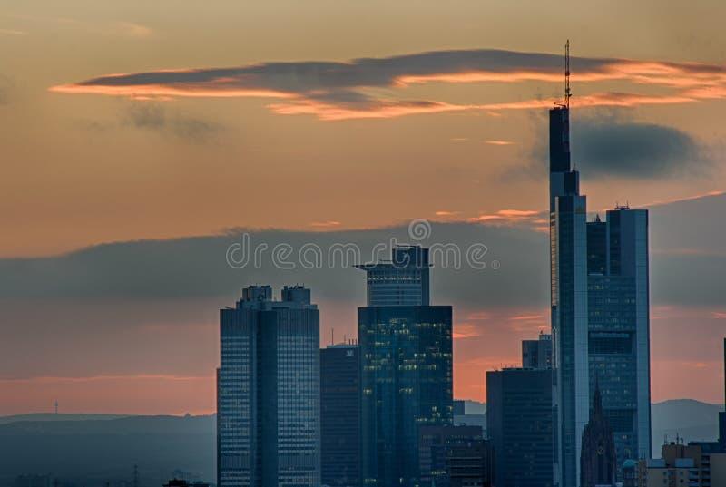 Skyline Francoforte - am - cano principal imagens de stock