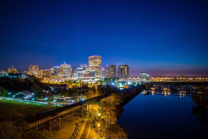 Skyline im Stadtzentrum gelegenen Richmonds, Virginia lizenzfreie stockbilder