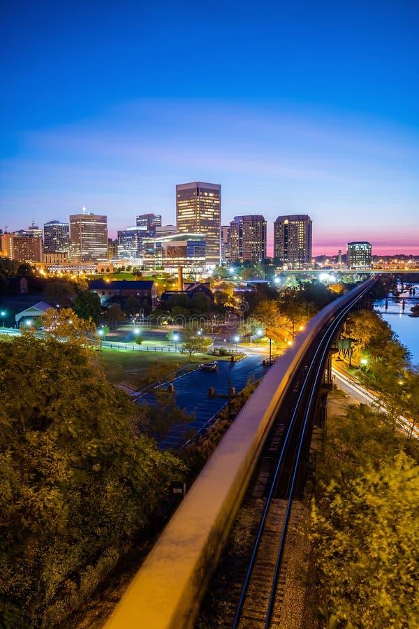 Skyline im Stadtzentrum gelegenen Richmonds, Virginia stockbilder
