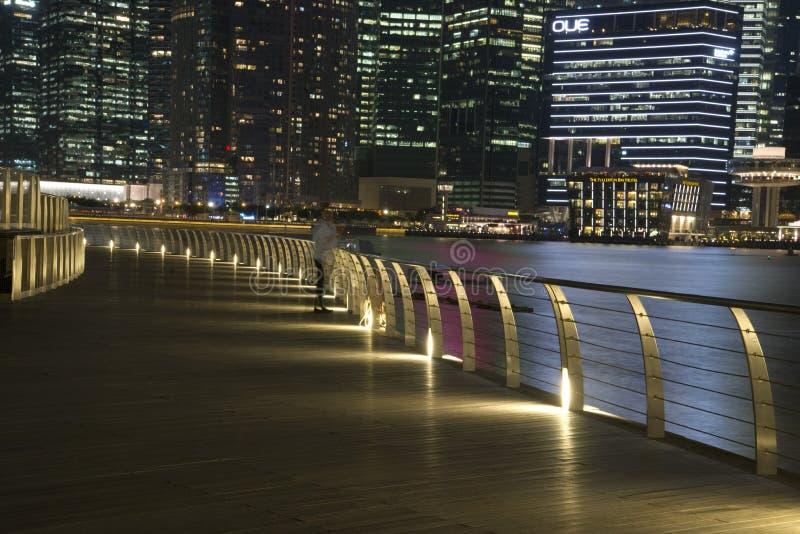 Skyline im Stadtzentrum gelegener Singapur-@ Nacht stockbilder