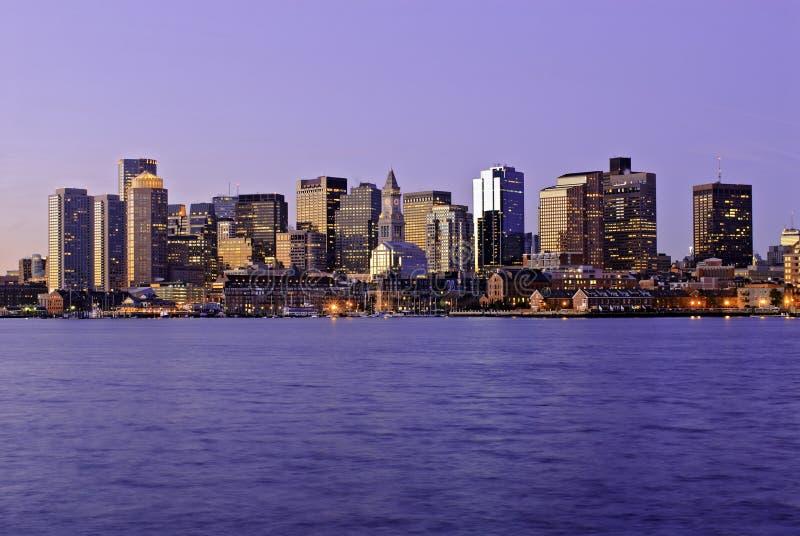 Skyline Massachusetts-, Boston an der Dämmerung lizenzfreies stockfoto
