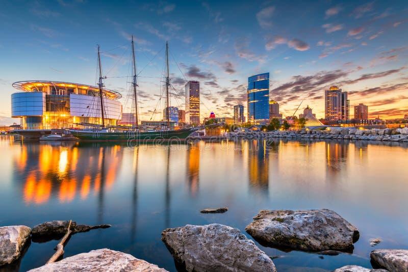 Skyline Milwaukee, Wisconsin, USA lizenzfreie stockfotos