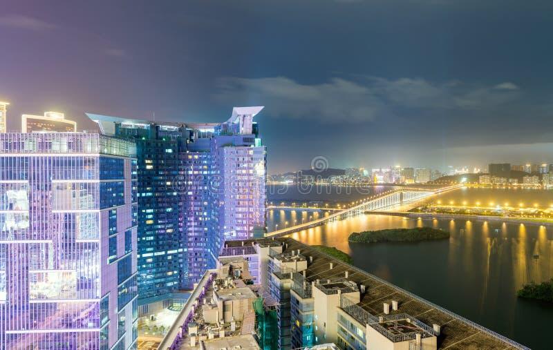 Skyline moderna bonita de Macau na noite fotografia de stock
