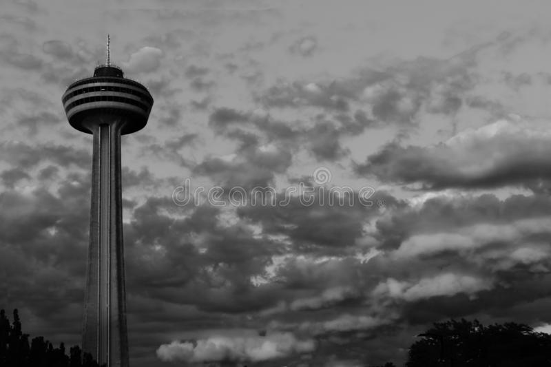 Skyline in Niagara Falls in Schwarzweiss stockbilder