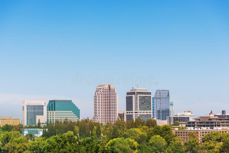 Skyline Sacramentos Kalifornien stockbild