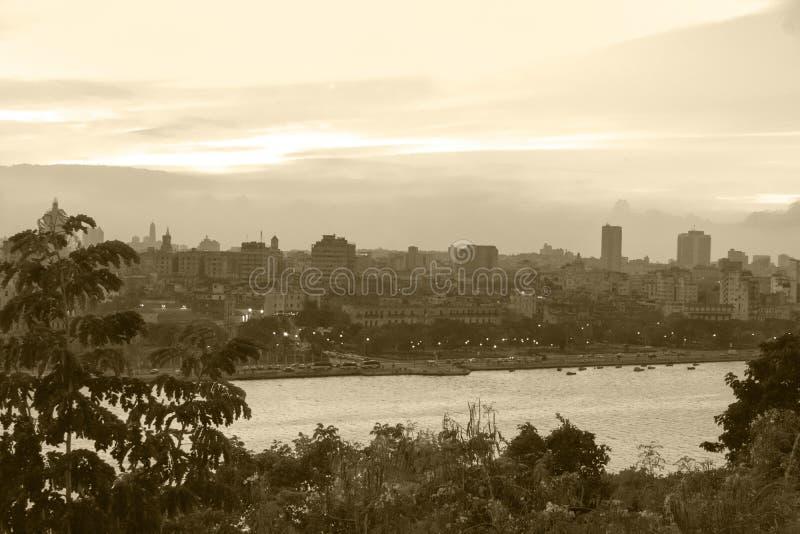 Skyline-Stadt Havana, das wirkliche Kuba lizenzfreies stockfoto