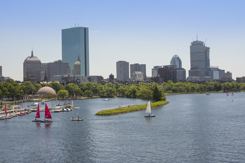 Skyline traseira de Boston da baía com Charles River fotografia de stock royalty free