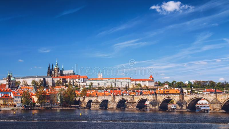 Skyline view panorama of Charles bridge (Karluv Most) with Old T royalty free stock photos
