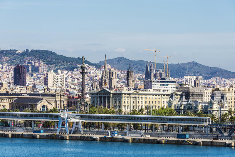 Skyline von Barcelona lizenzfreie stockfotos