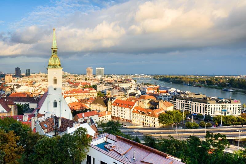 Skyline von Bratislava, Slowakei lizenzfreies stockbild