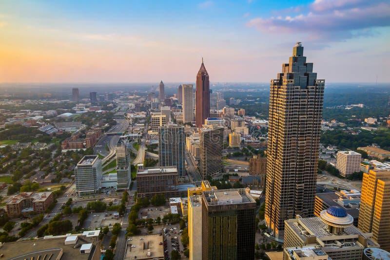 Skyline von im Stadtzentrum gelegenem Atlanta, Georgia lizenzfreies stockbild