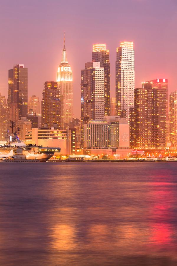 Skyline von Midtown Manhattan in New York City stockfotos