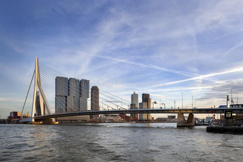 Skyline von Rotterdam stockfoto
