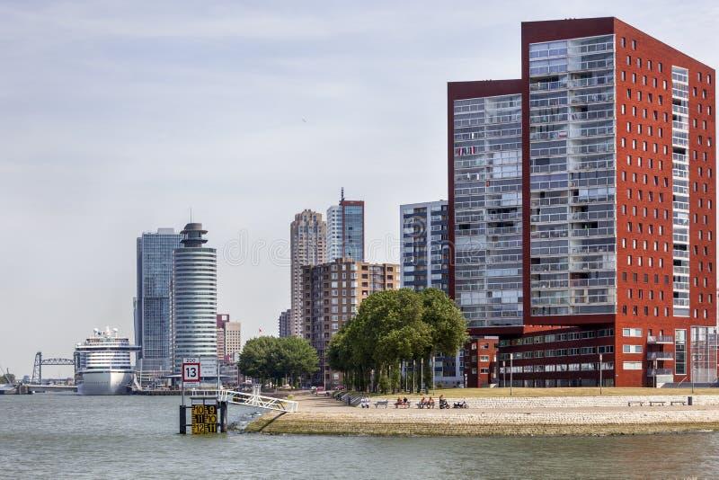 Skyline von Rotterdam Katendrecht stockbild