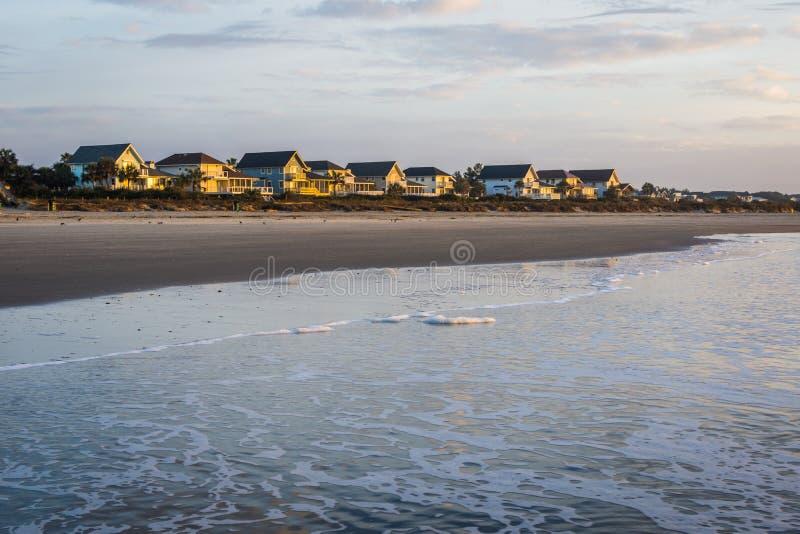 Skyline von Strand-Häusern bei Ise des Palmen-Strandes, in Charleston Sout stockbilder