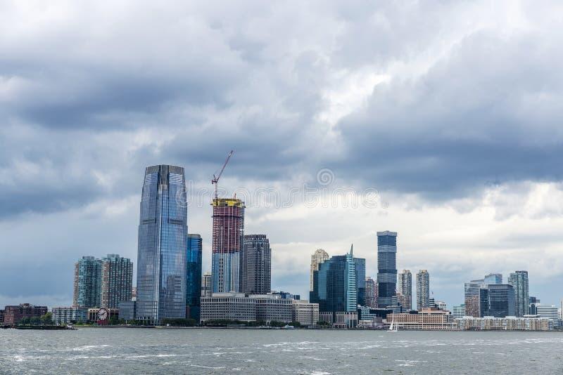 Skyline von Wolkenkratzern in Jersey City, New York City, USA stockfotografie