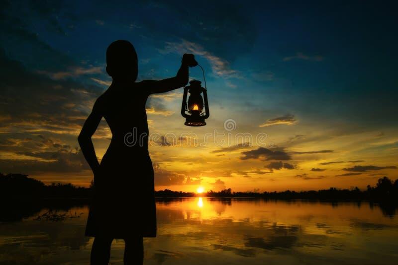 Skymning Lamping Abstrakt betydelsehopp fotografering för bildbyråer