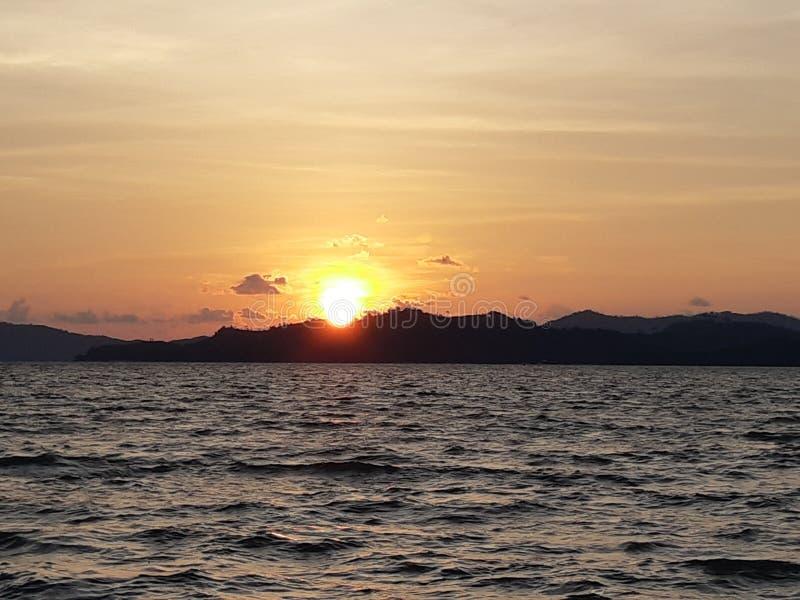 Skymning och solnedgång royaltyfri fotografi