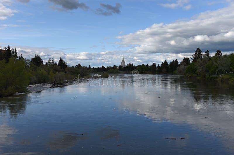 Skymning på Idaho nedgångar royaltyfri bild