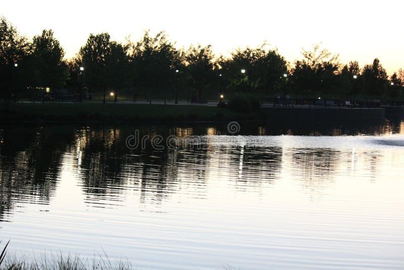 Skymning på Julius M Kleiner Memorial Park royaltyfri bild