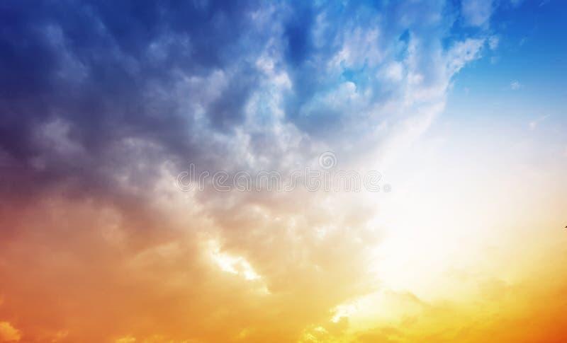 Skymningen av himlen royaltyfri bild