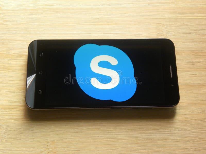 Skype en el teléfono móvil foto de archivo libre de regalías