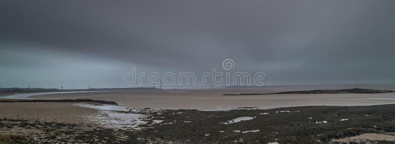 Skys temperamentais Severn Estuary imagem de stock royalty free
