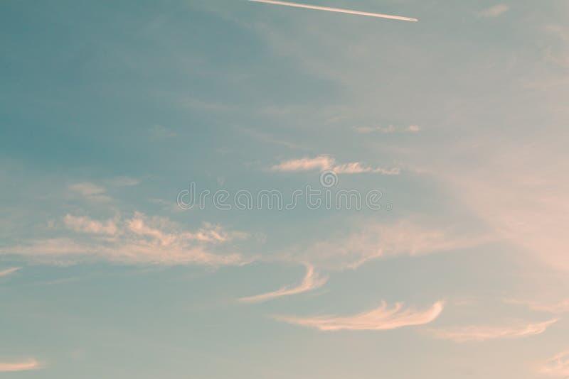 Skyscape i tappningtoning royaltyfri bild