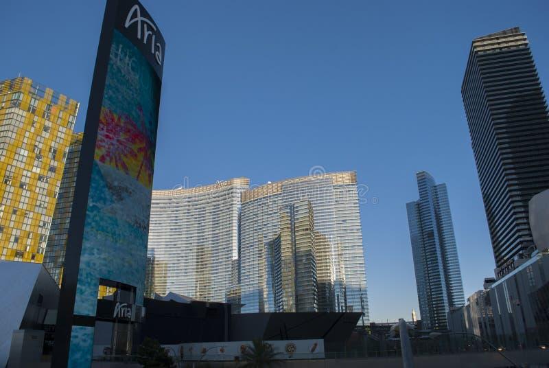 Skyscapers του Λας Βέγκας Λαμπρά κτήρια με το μπλε ουρανό στο υπόβαθρο στοκ εικόνες με δικαίωμα ελεύθερης χρήσης
