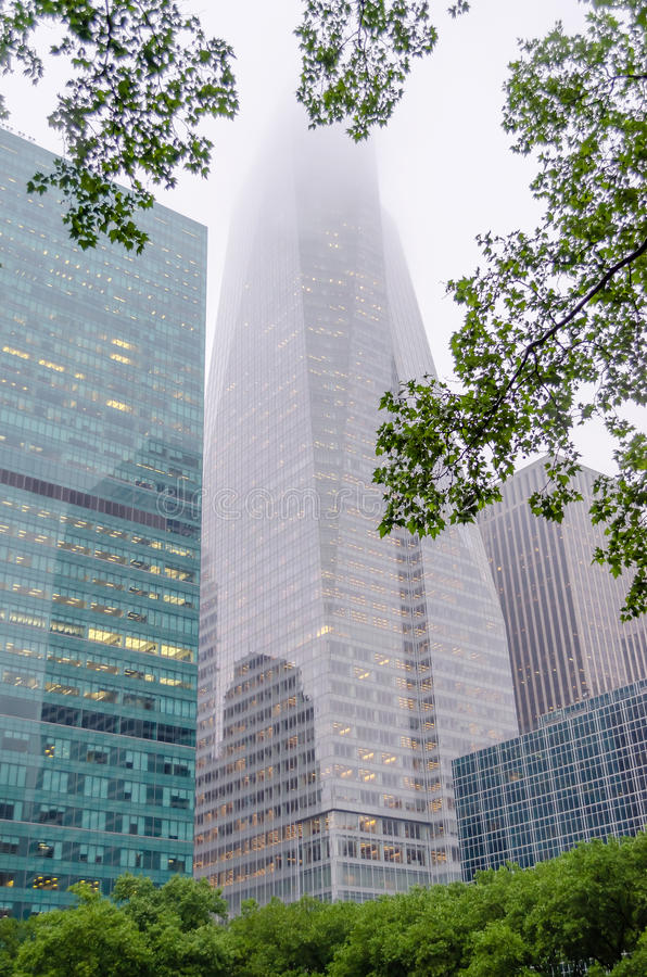 Download Skyscrapers Over Bryant Park Stock Image - Image: 33104725