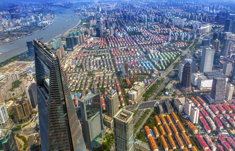 Skyskrapa Huangpu River Shanghai Kina för finansiell mitt för värld arkivfoton