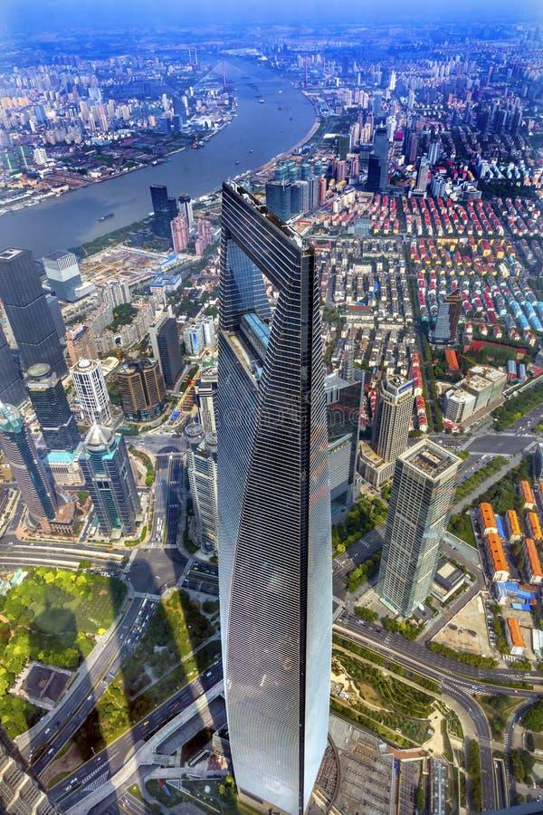 Skyskrapa Huangpu River Shanghai Kina för finansiell mitt för värld arkivfoto