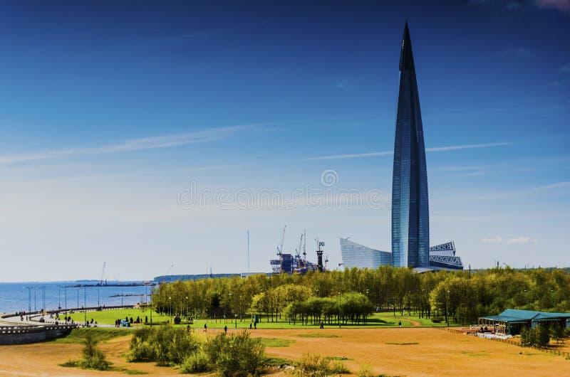 Skyskrapa Lakhta mitthöghus, Gazprom affärsmitt den mest högväxta byggnaden i Europa arkivfoton