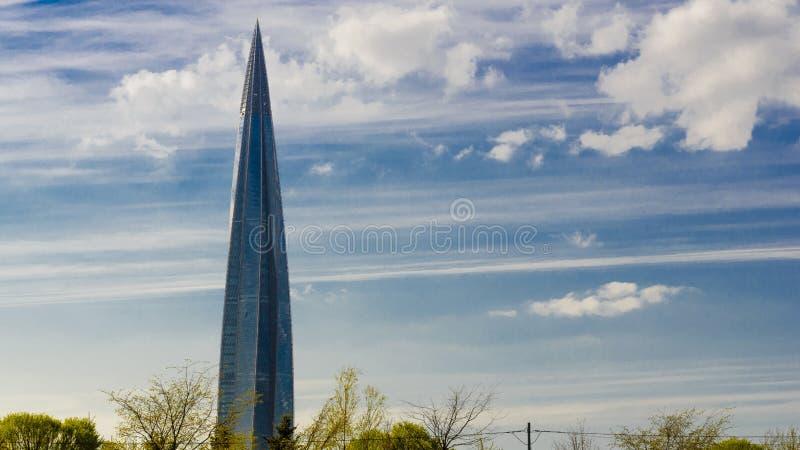 Skyskrapa Lakhta mitth?ghus, Gazprom aff?rsmitt den mest h?gv?xta byggnaden i Europa royaltyfria bilder