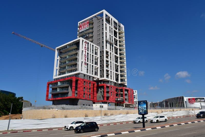 Skyskrapakonstruktionsplats i Herzliya royaltyfria foton