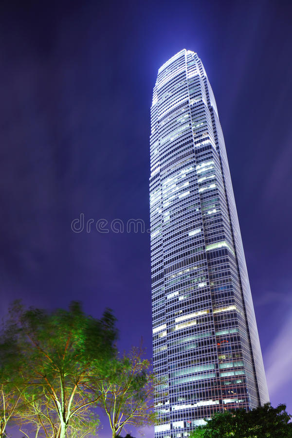 Skyskrapakontorsbyggnad arkivbilder