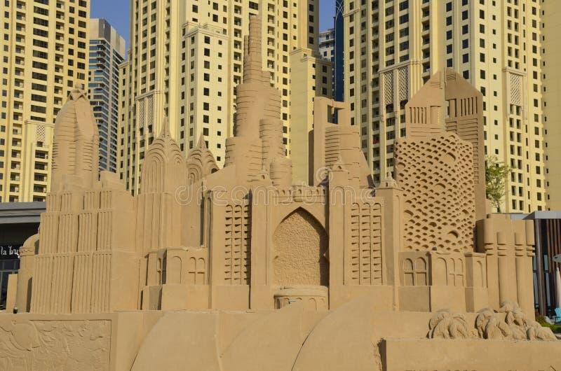 Skyskrapor - sandskulpturer, Dubai arkivfoton