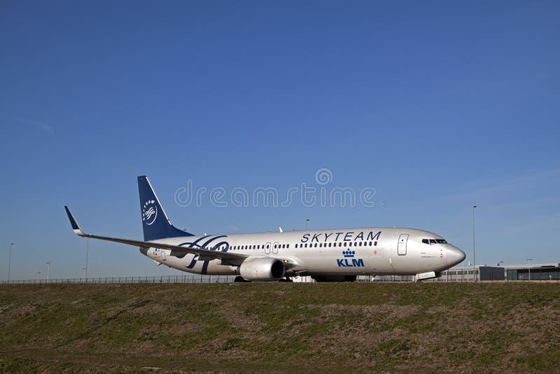 Skyteam boeing 737 royaltyfria bilder