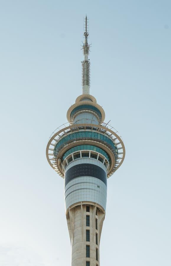Skytower na cidade de Auckland, Nova Zelândia fotografia de stock