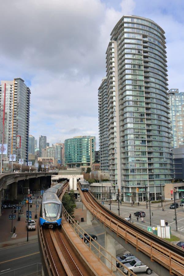 Skytrain και στο κέντρο της πόλης Βανκούβερ, Καναδάς στοκ φωτογραφία με δικαίωμα ελεύθερης χρήσης