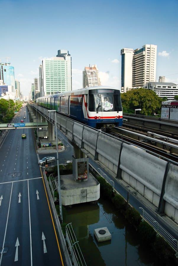 Skytrain en Bangkok céntrica imagen de archivo