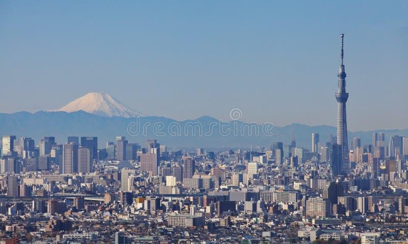 Skytree του Τόκιο με την ΑΜ Φούτζι στοκ φωτογραφίες