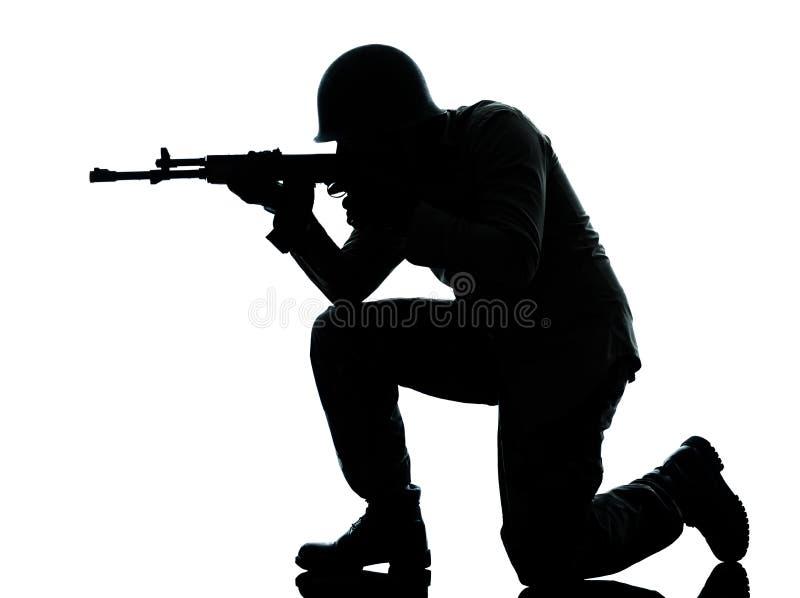 Skytte för armésoldatman royaltyfria foton