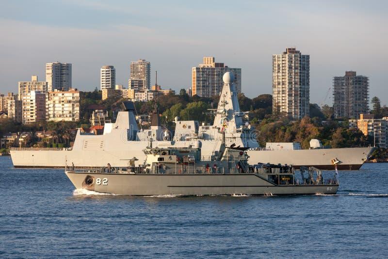Skyttel f?r HMAS Huon M 82 Huon Class Minehunter Coastal av den kungliga australiska marinen i Sydney Harbor arkivbilder