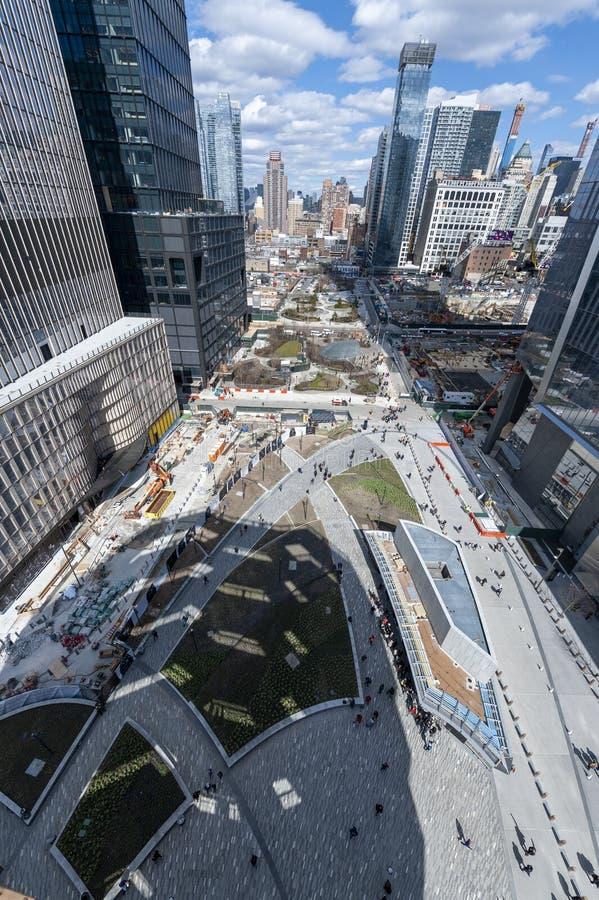 Skyttelgränsmärkeskuggan på Hudson Yards i NYC arkivbilder