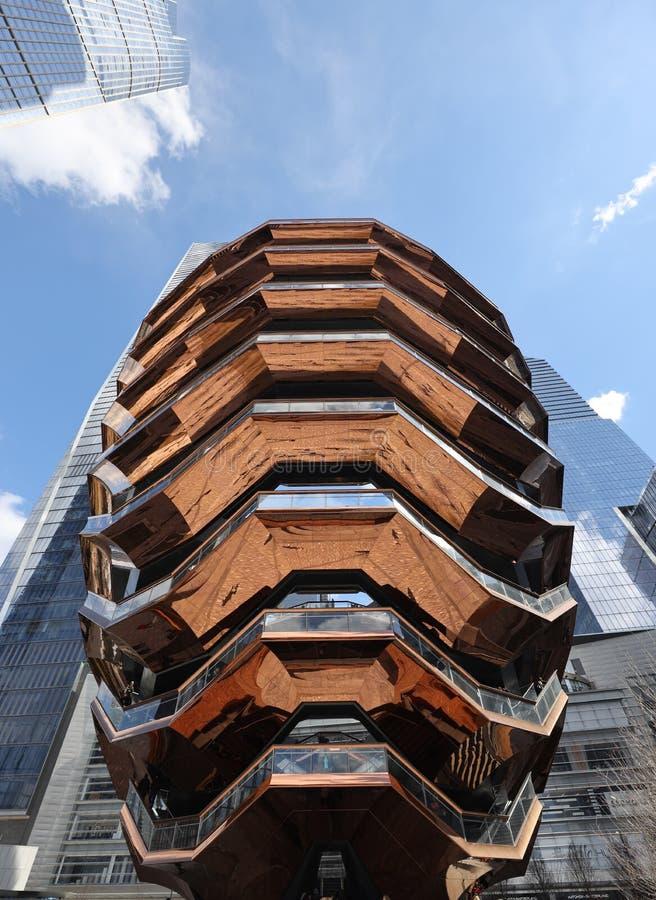 Skytteln, h?jdpunkten av den offentliga fyrkanten och tr?dg?rdar p? Hudson Yards, ?ppnade p? Manhattan v?stra sida arkivfoton